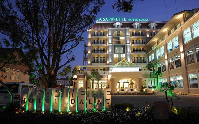 giá phòng khách sạn La Sapinette