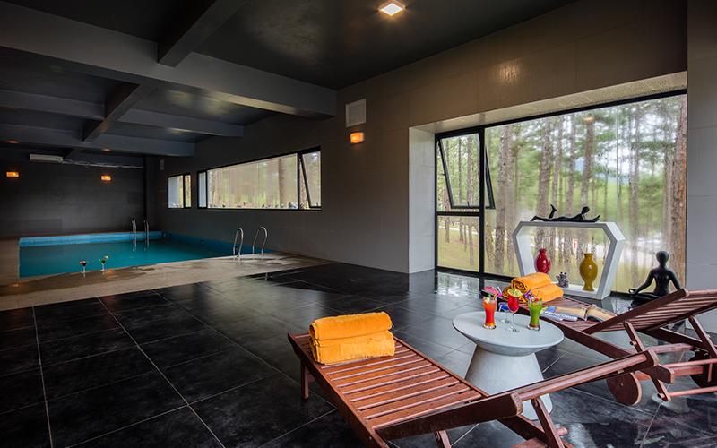 Hồ bơi khách sạn terracotta dalat hotel resort & spa
