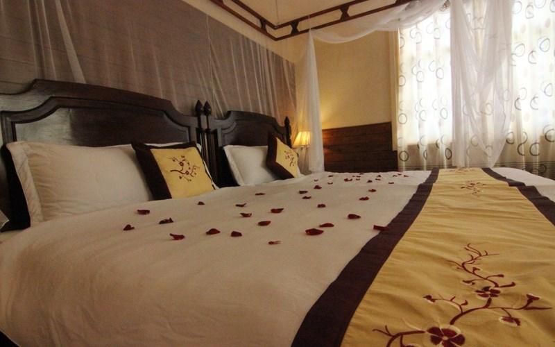 phòng Deluxe ( A & B ) Khách sạn Saphir Đà Lạt