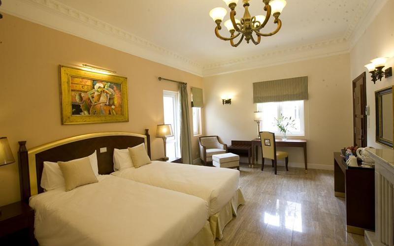 phòng LuXury Double khách sạn edesee lake resort & spa