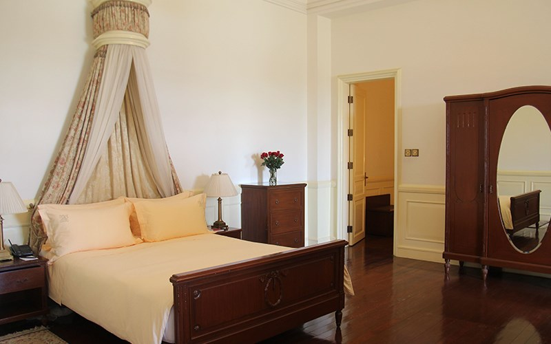 phòng Luxury có ban công khách sạn Palace