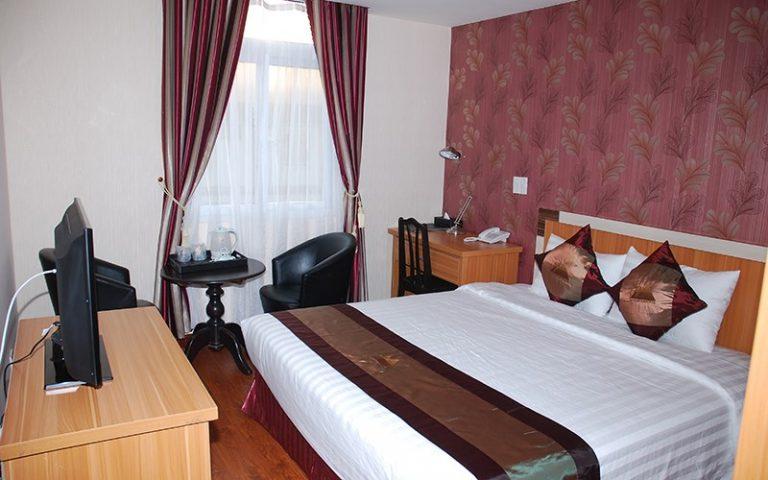 phòng Standard 1 giường khách sạn Phố Núi Đà Lạt