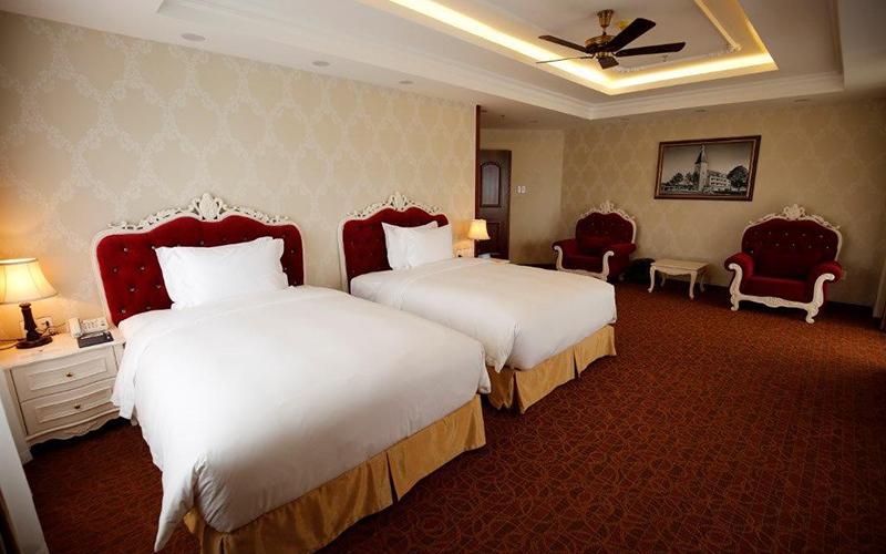 phòng deluxe triple Khách sạn LaDaLat