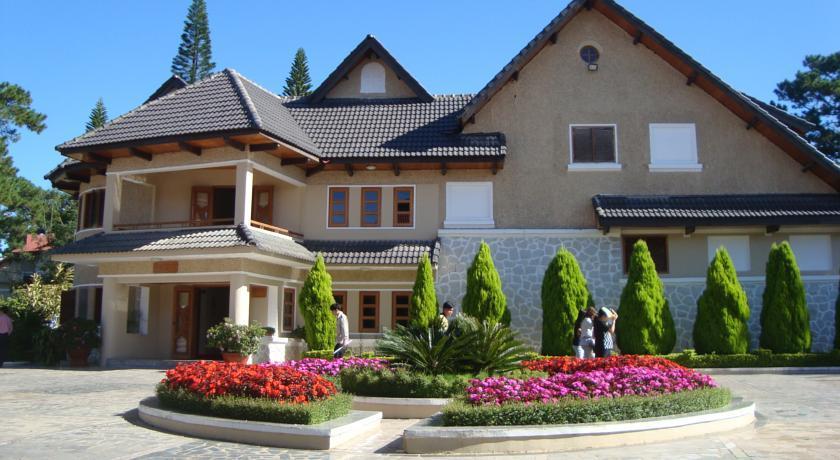 Kinh nghiệm đặt phòng Monet Garden Villa