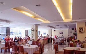 Nhà hàng khách sạn river prince