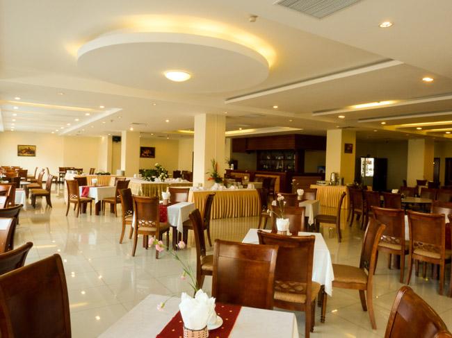 Nhà hàng khách sạn River Prince Đà Lạt