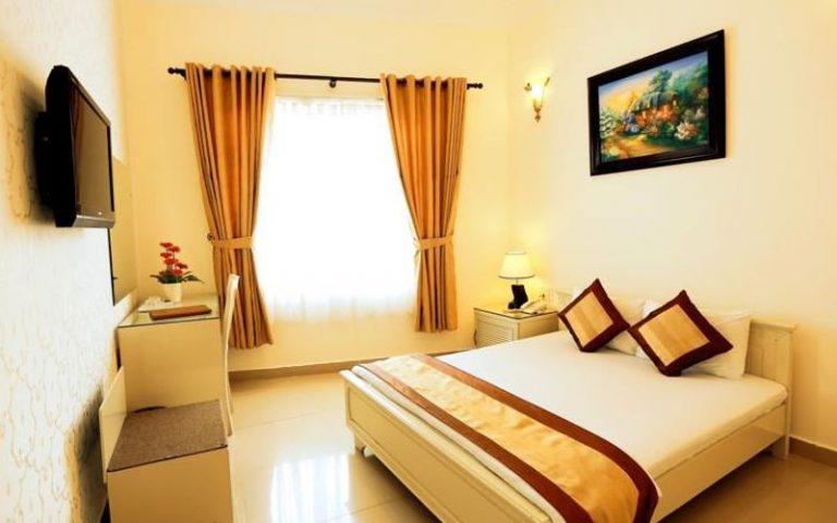 phòng Superior giường đôi khách sạn Tulip