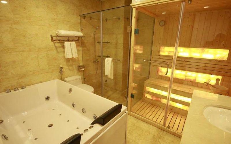 Phòng Suite VIP Phòng tắm xông hơi khách sạn Kim Hoa