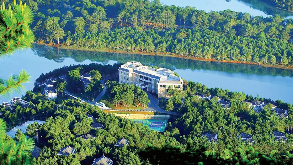 Khách sạn 5 sao DaLat Edensee Lake Resort & Spa
