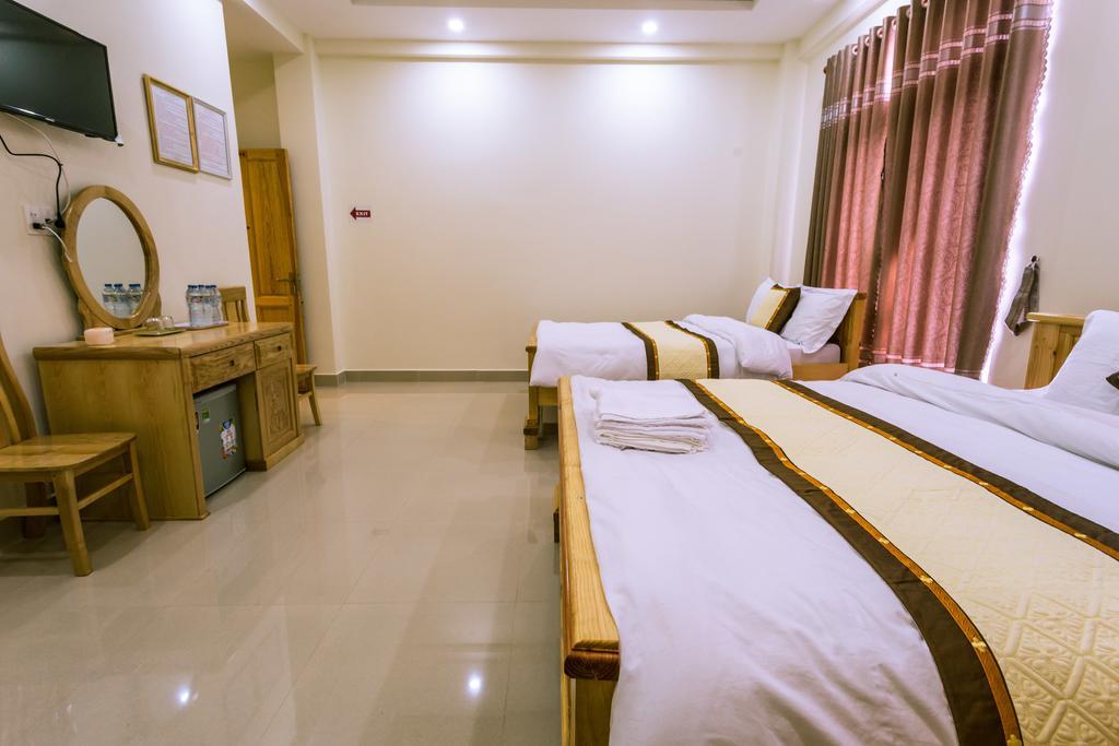 Phòng 4 người khách sạn 4 mùa