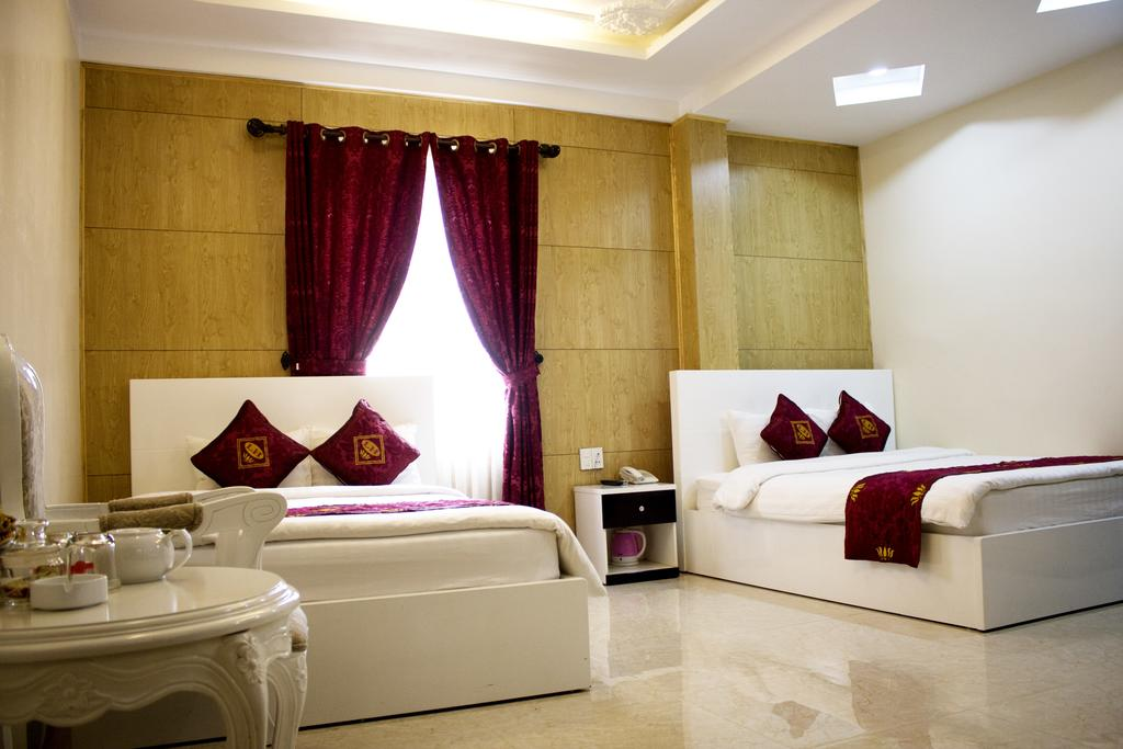 Phòng 4 người khách sạn Phước Sơn
