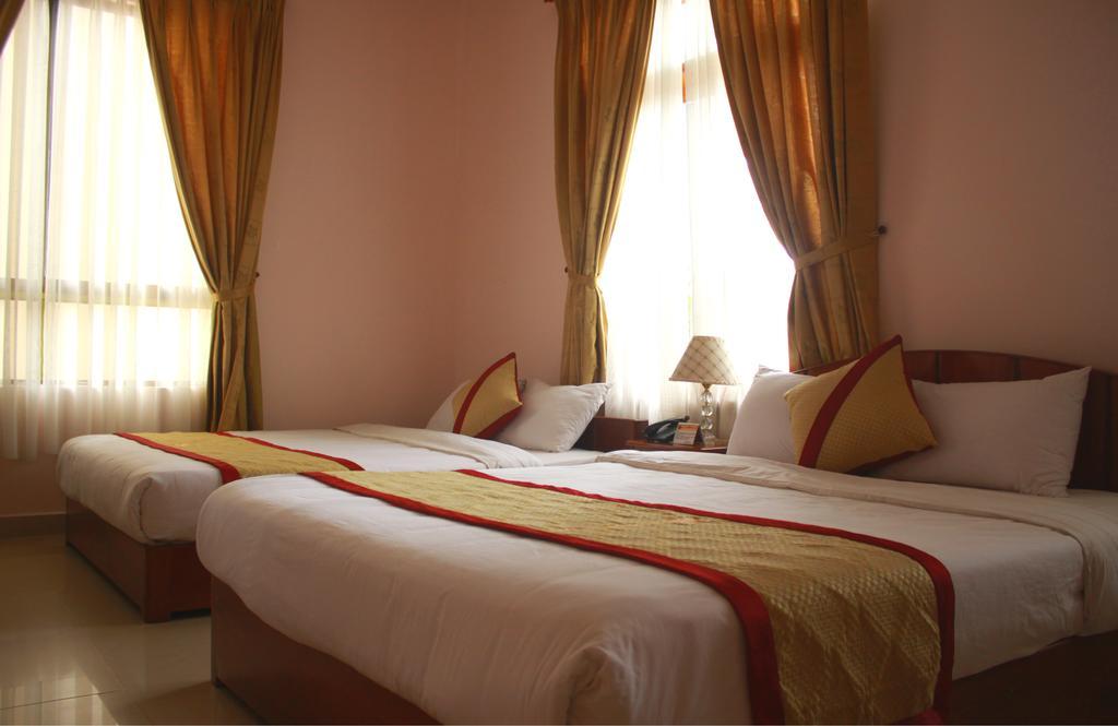 Kết quả hình ảnh cho PHÒNG Ở Khách sạn Gold Night