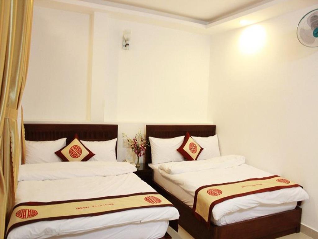 phòng Standrad Quad Khách sạn Xuân Hồng