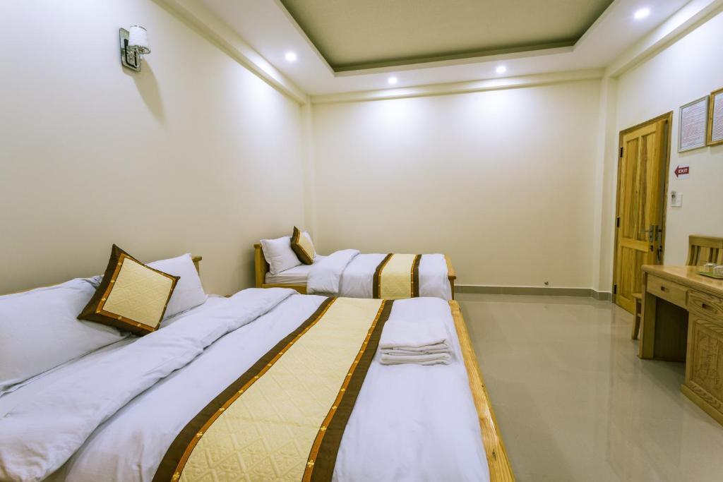 Phòng deluxe khách sạn bốn mùa Đà Lạt