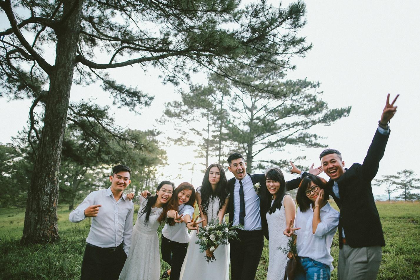 Chụp ảnh cưới ở thác Datanla