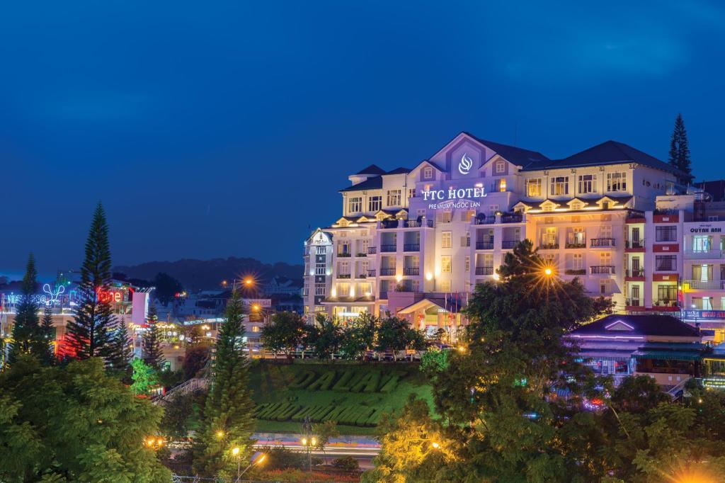 Khách sạn 3 sao view đẹp Đà Lạt