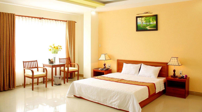 Khách sạn nằm trên đường Nguyễn Văn Trỗi