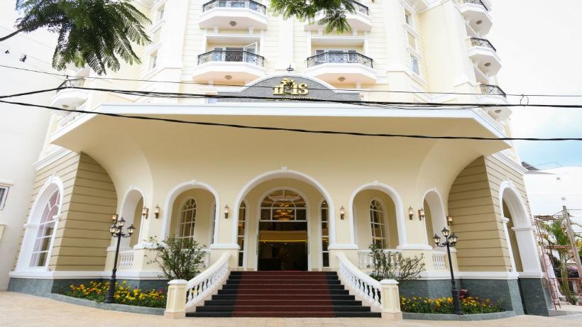 Khách sạn mới xây 3 sao Đà Lạt