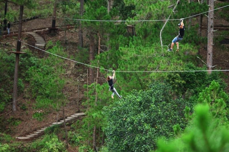 leo dây ở thác Datanla