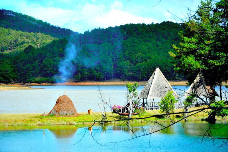 Cắm trại thung lũng vàng
