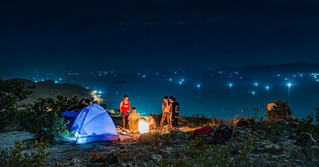 Đốt lữa trại ở Đà Lạt