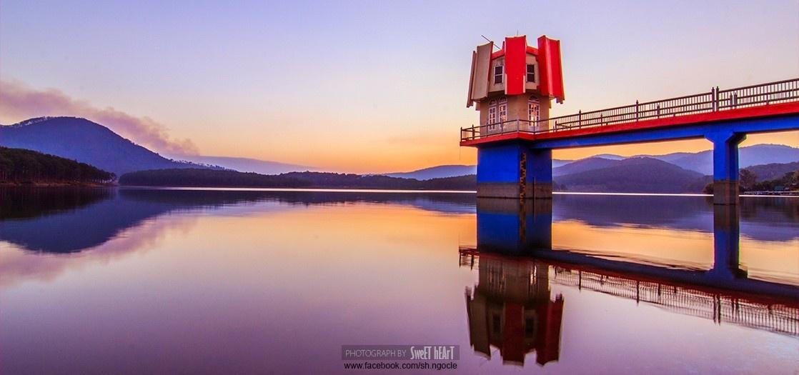 Hình ảnh hồ Tuyền Lâm