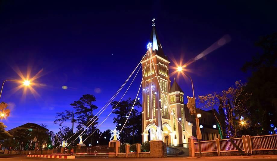Image result for nhà thờ con gà đà lạt