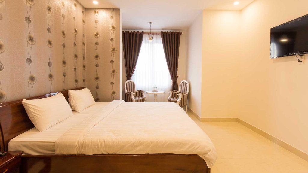Giá phòng khách sạn Sơn Thủy Đà Lạt