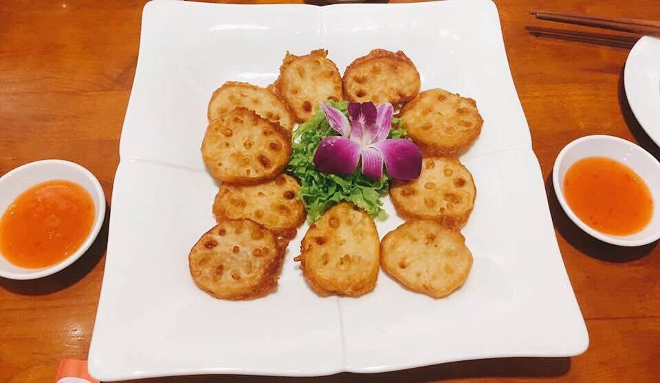 Nhà hàng chay hoa sen