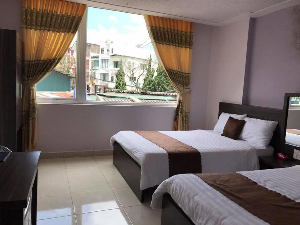 Phòng Deluxe 4 người khách sạn Thông Vàng 2 Đà Lạt