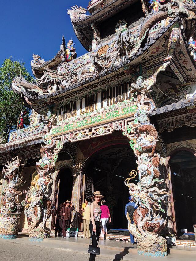 Tour ma rừng lữ quán chùa linh phước Đà Lạt