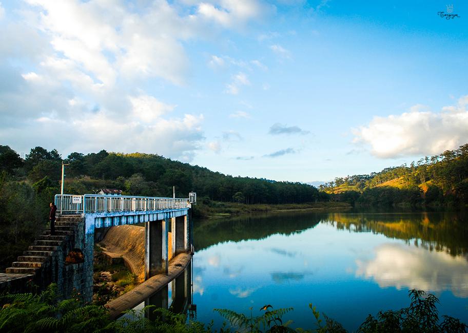 Tour ma rừng lữ quán suối vàng suối bạc