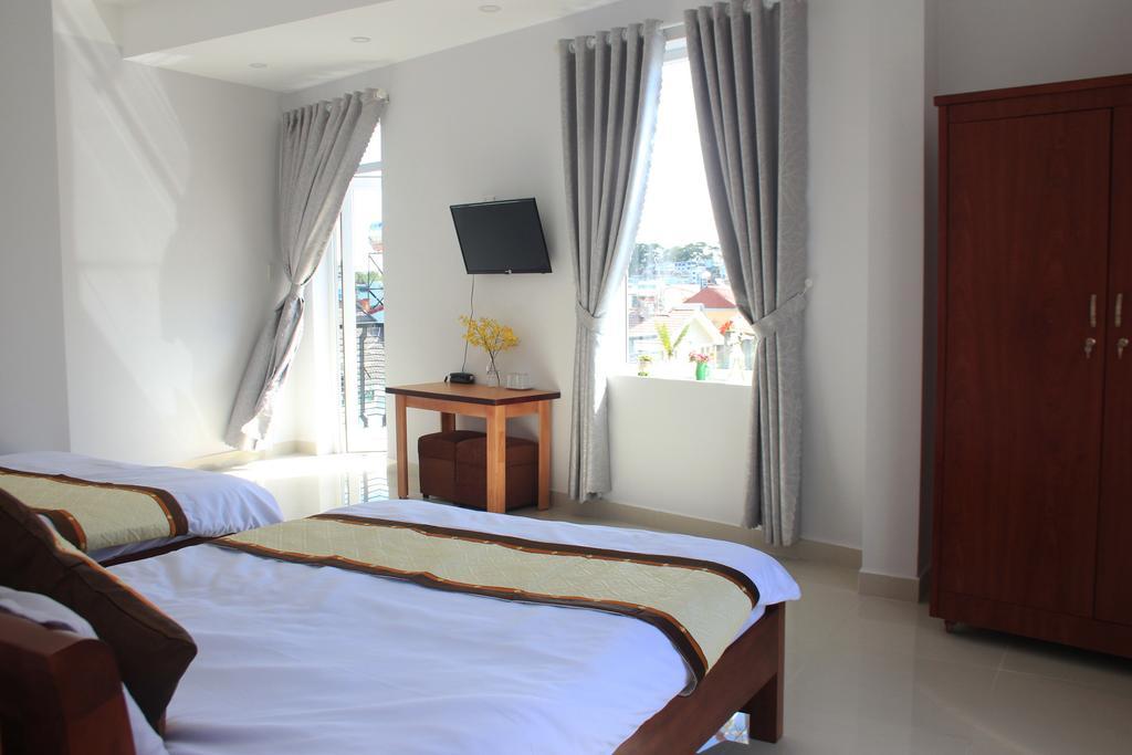 Phòng ở khách sạn Phước Thịnh Đà Lạt