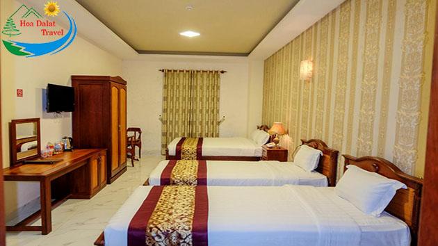 phòng queen tiêu chuẩn khách sạn Đông Dương