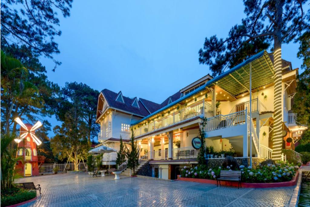 villa monet garden ở Đà Lạt