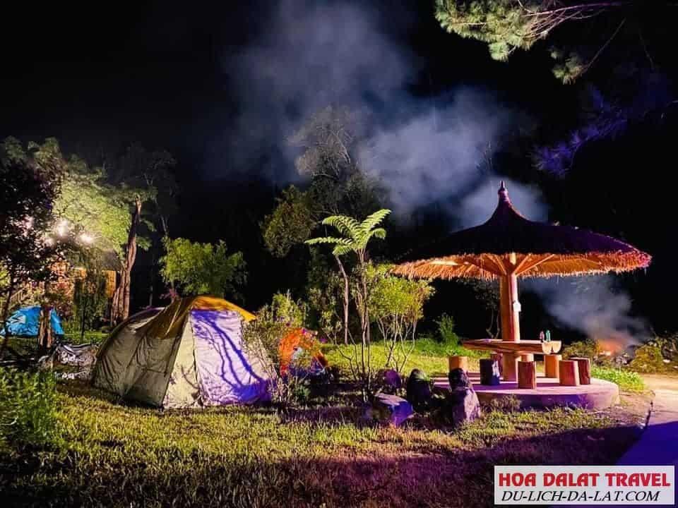 Cắm trại ở Ma rừng lữ quán