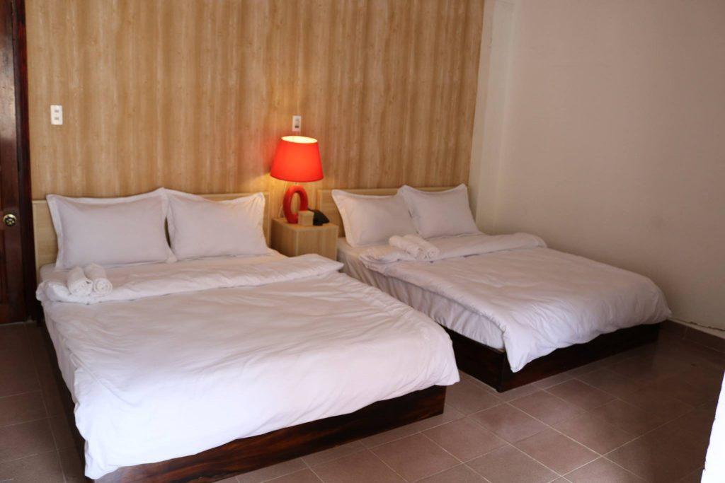 khách sạn gần chợ Hoàng Khôi
