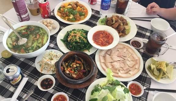 Cơm niêu trưa ngon ở Đà Lạt