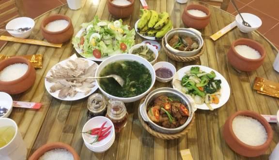 Cơm trưa Đà Lạt