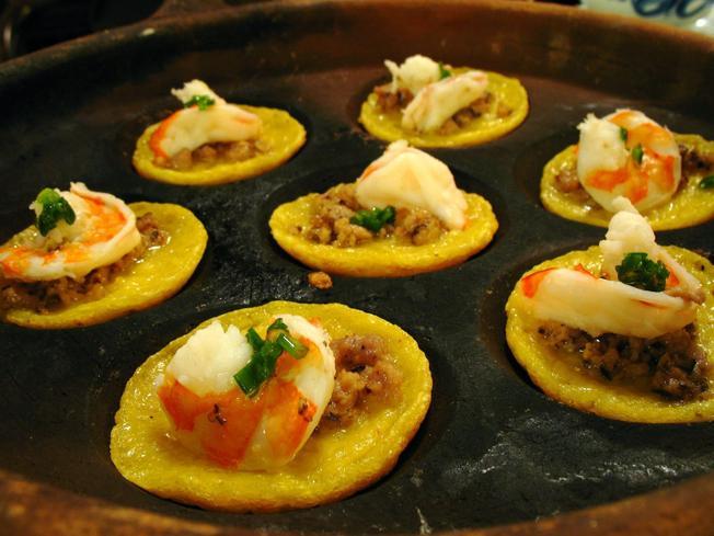Bánh căn hải sản