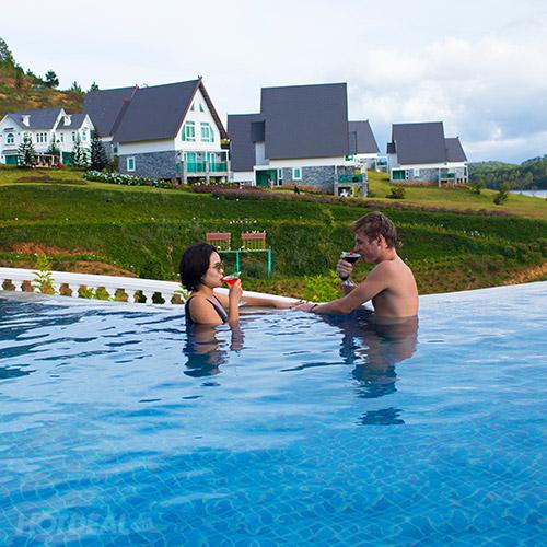 hồ bơi Dalat Wonder Resort