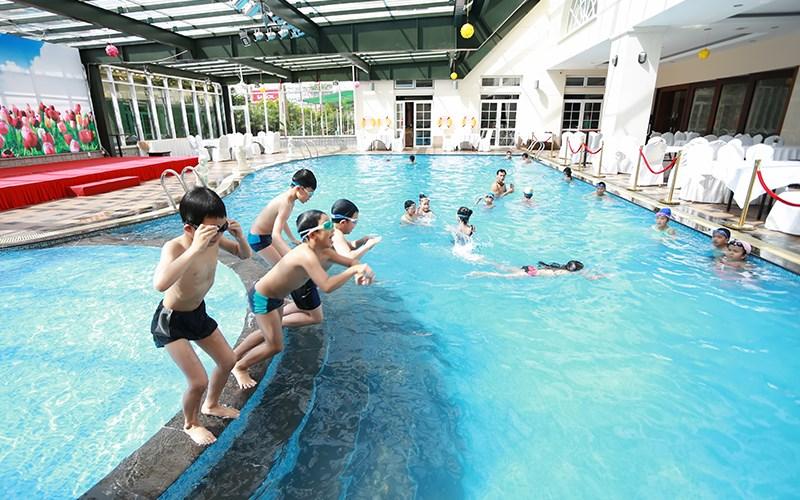 hồ bơi terracotta Hotel & Resort