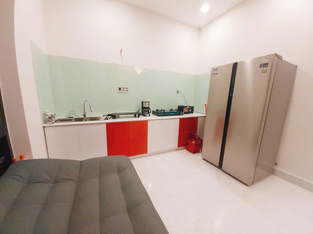 Không gian bếp ở binly hotel