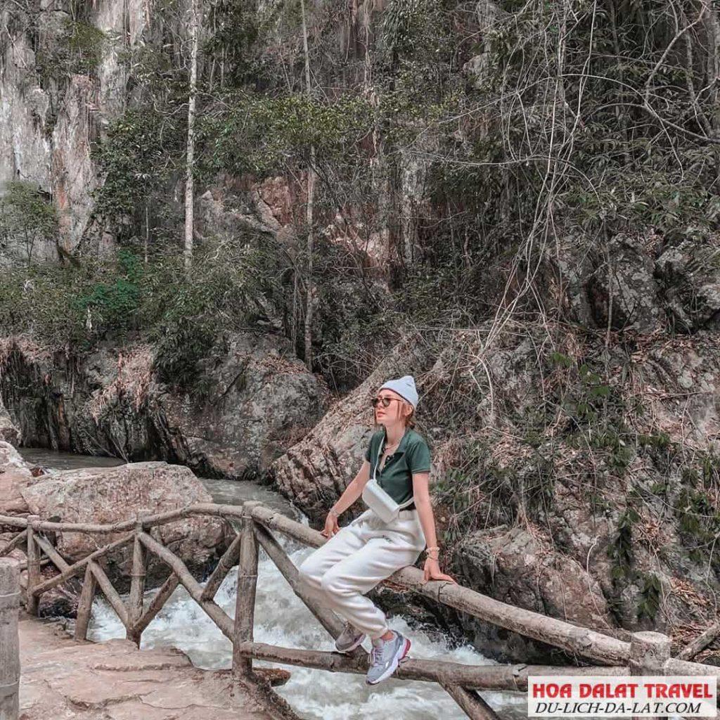 Ảnh chụp ở thác Datanla