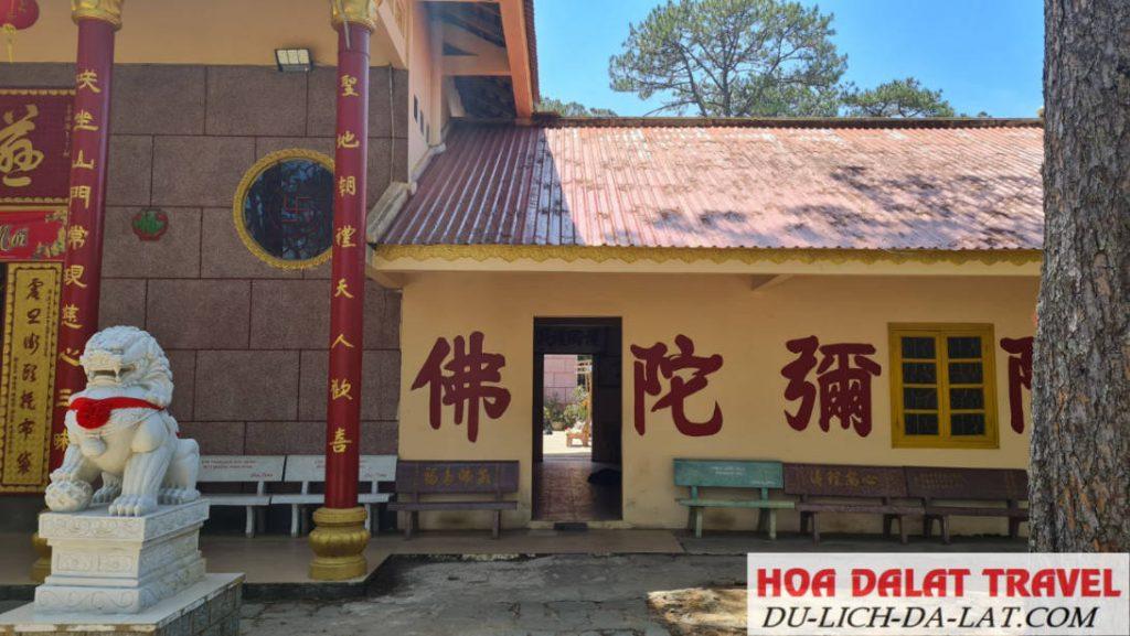 Ngôi Chùa sử dụng tiếng Quảng Đông