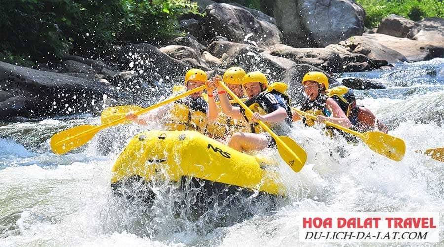 Chèo thuyền Kayak ở thác Datanla