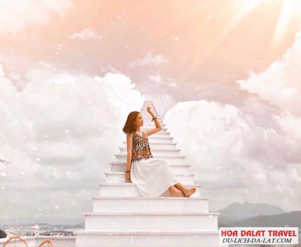 Review nấc thang lên thiên đường