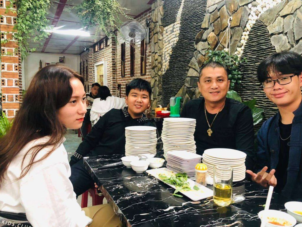 Bánh ướt xếp chồng ở Đà Lạt