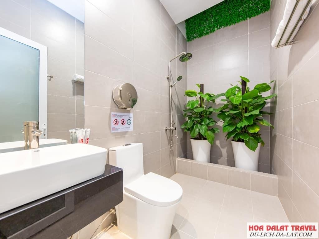 Review khách sạn Quỳnh Anh