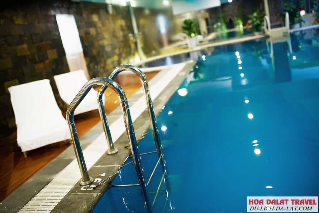 Khách sạn Mường Thanh Đà Lạt có hồ bơi